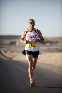 Auf hartem Asphalt laufen ist für übergewichtige Menschen nicht gesund